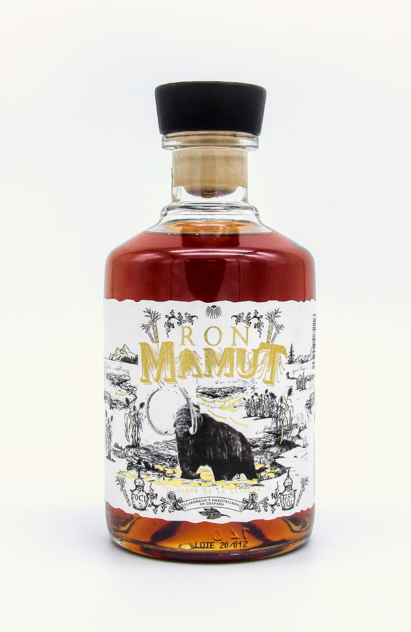 Destilerías Líber | Productos: RON MAMUT 700 ml 37.5% VOL
